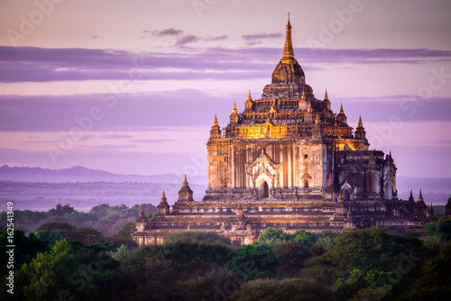 Canvas Print Pagoda Sunset in Bagan, Myanmar