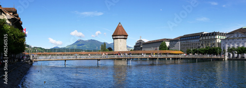 In de dag Bangkok Lucerne with wooden bridge, water tower and mount rigi in the background