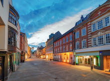 Winchester City Centre High St...