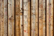 Planche Bois Tag Graffiti Insc...