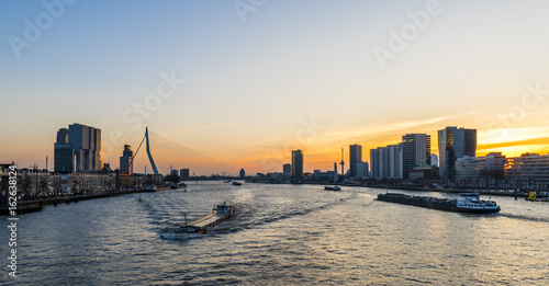 Foto op Canvas Rotterdam Rotterdam Nieuwe Maas with Ships