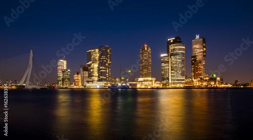 Staande foto Rotterdam Rotterdam Wilhelmina Pier at Night