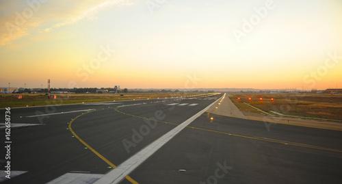 Pista de aterrizaje del aeropuerto de Sevilla, España Canvas Print