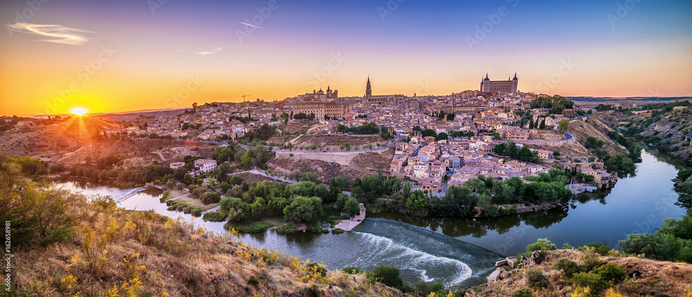 Fototapety, obrazy: Aerial top view of Toledo, historical capital city of Spain