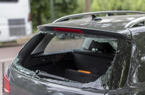 Stampa su Tela Broken rear window