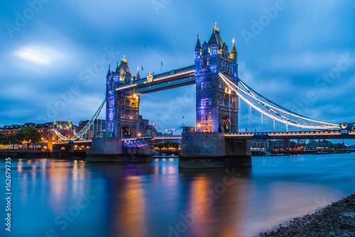 Fototapety, obrazy: Tower Bridge in London at Sunrise