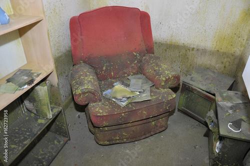 Fotografie, Obraz  Flood Damaged Room