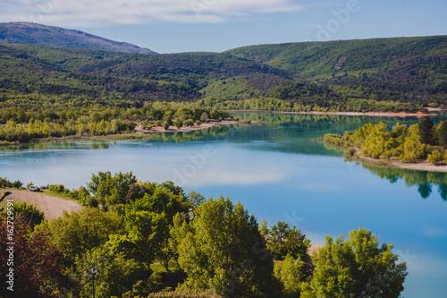 Foto auf Gartenposter Fluss Schöne See Landschaft Natur Lac Sainte Croix Frankreich