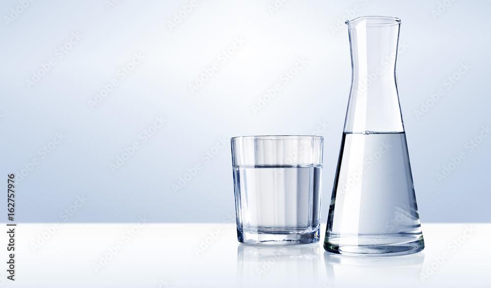 Fototapeta Wasserglas, Wasserkaraffe