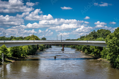 Bridge over water Tablou Canvas