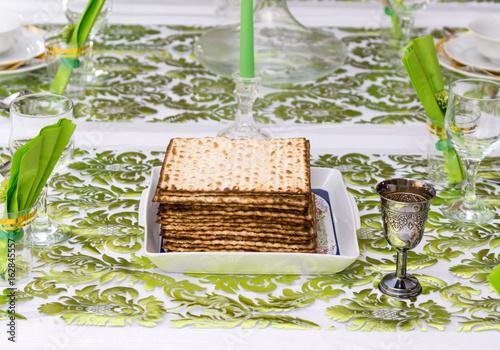 Zdjęcie XXL Dekorujący Passover Seder stół w Tel Aviv, Izrael