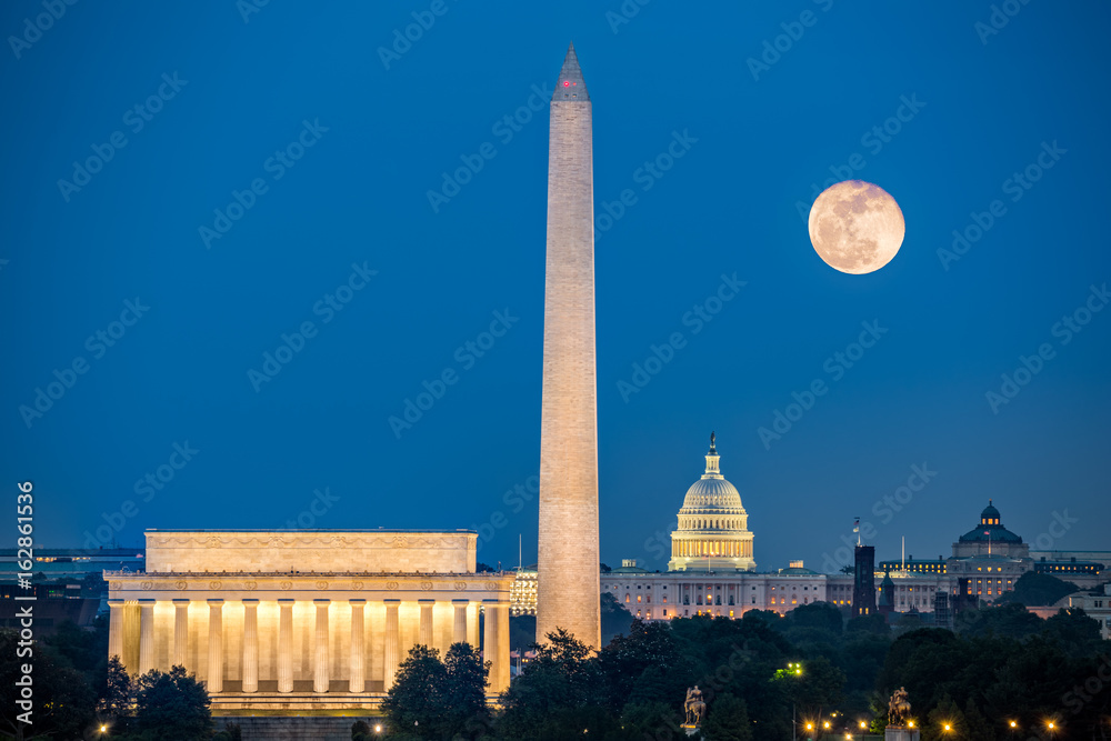 Fototapety, obrazy: Supermoon above three iconic monuments: Lincoln Memorial, Washington Monument and Capitol Building in Washington DC as viewed from Arlington, Virginia