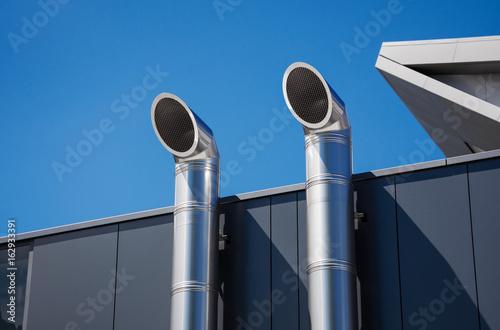 Valokuva  Lüftungsrohre aus Edelstahl –Lüftungstechnik Kältetechnik Klimatechnik mit mode