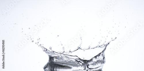 Fotografie, Obraz  Salpicaduras y gotas de agua en movimiento