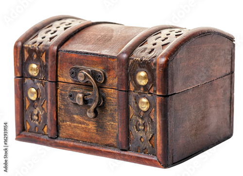 Fotomural beautiful closed vintage wooden chest treasure isolated on white background, clo