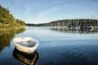 canvas print picture - Boote im Seglerhafen am Schluchsee im Hochschwarzwald, Germany vor tiefblauem ruhigen Wasser und abendlicher Stimmung