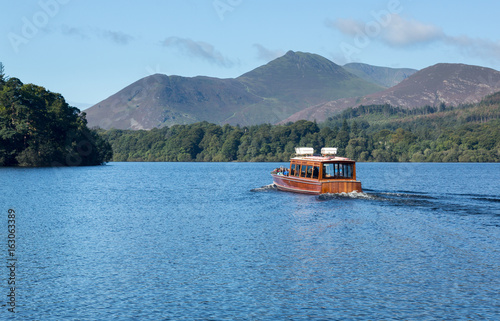 Boats on Derwent Water in Lake District Fototapet
