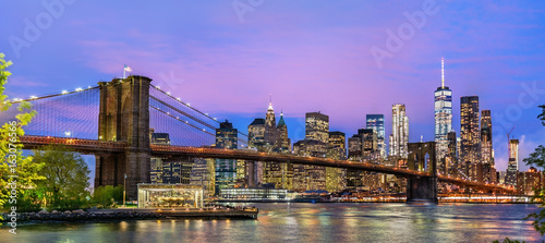 Brooklyn Bridge and Manhattan at sunset - New York, USA