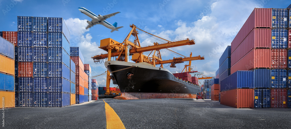 Fototapety, obrazy: Management logistics of Industrial Container Cargo for Import Export business