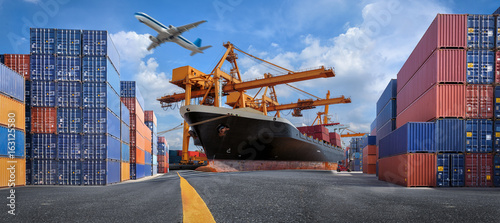 Photo  Management logistics of Industrial Container Cargo for Import Export business