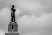 Statue Of Robert E Lee In New ...