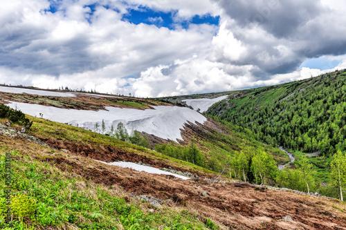 Photo Glacier on the mountainside