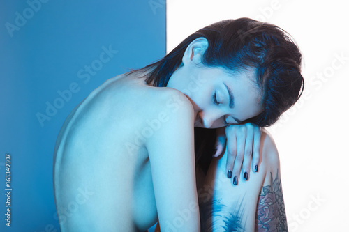 Obraz na plátně  nude girl with tattoo