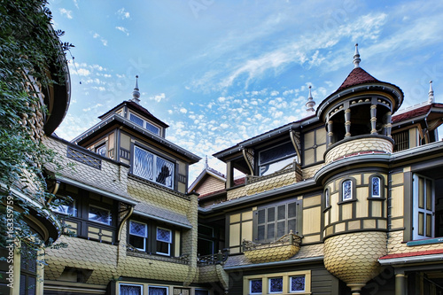 Canvas Print The Winchester Mystery House
