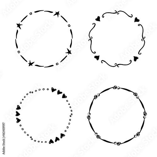 In de dag Boho Stijl Hand drawn creative circle for logo, label, branding