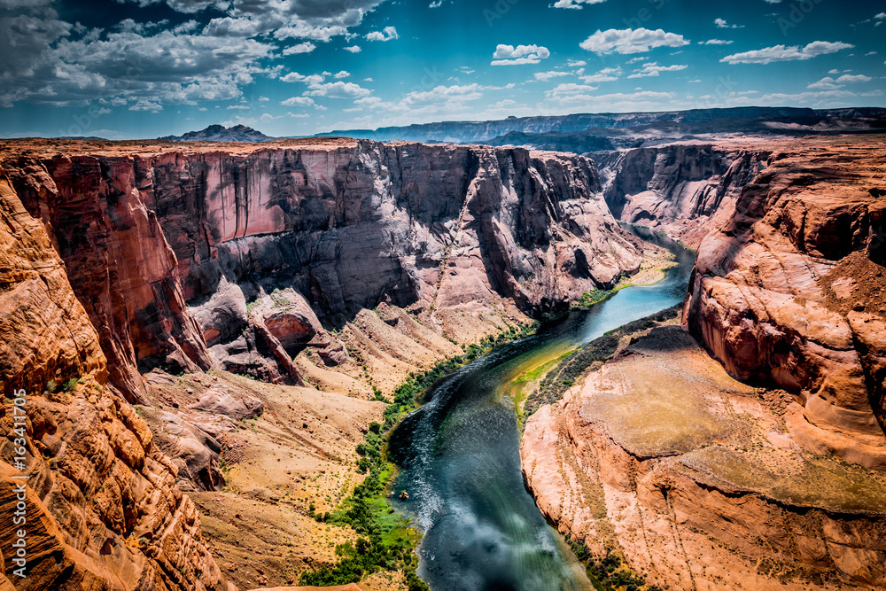 Picturesque bend of the Colorado River. Sighting place on the edge of the cliff