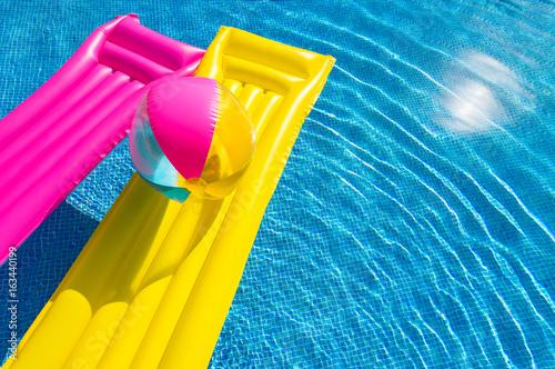Vászonkép Urlaub Pool Sommer Spaß Wasser Abkühlung