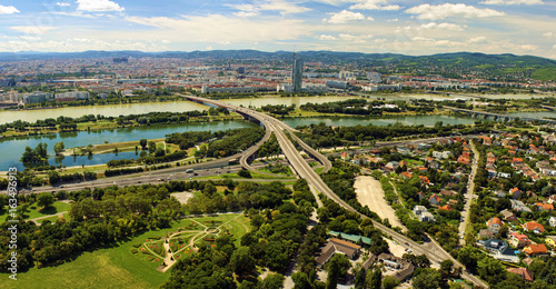 Photo cityscape of Vienna city in Austria, aerial view