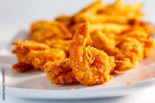 fried shrimp w/ french fries Billede på lærred
