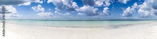 In de dag Zanzibar Dream beach in zanzibar