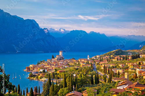 Lac / Etang Town of Malcesine on Lago di Garda skyline view