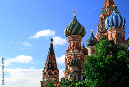 Tuinposter Moskou Russia, Moscow, St. Basil's Cathedral on red square