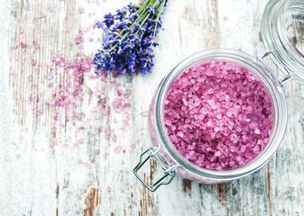 Obraz na płótnie Canvas Massage salt with lavender