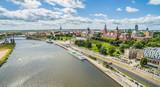 Fototapeta Miasto - Szczecin - rzeka Odra i Bulwar Chrobrego. Krajobraz Szczecina z lotu ptaka z widocznymi Wałami Chrobrego.