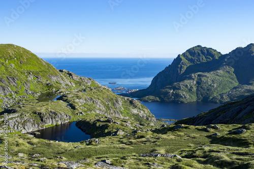 Staande foto Scandinavië Å i Lofoten vu de la montagne