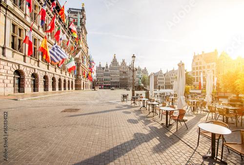 Foto op Plexiglas Antwerpen Morning view on the Grote Markt with cafe terrace in the center of Antwerpen city, Belgium