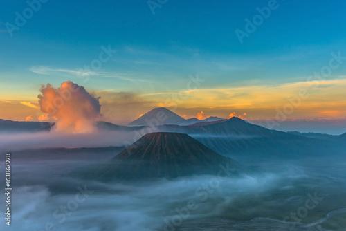 Foto op Aluminium Vulkaan Mount Bromo volcano (Gunung Bromo) during sunrise from viewpoint in Bromo Tengger Semeru National Park, East Java, Indonesia