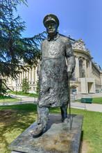 Winston Churchill Statue - Par...