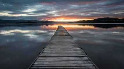 Pierwsze promienie światła na Loch Lomond