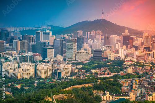 Photo sur Aluminium Seoul Seoul. Image of Seoul downtown during summer sunset.