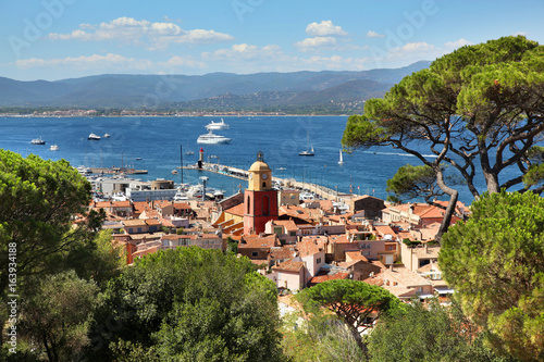 View of Saint Tropez harbor on the French Riviera Canvas-taulu