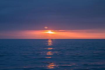 Fototapeta Wschód / zachód słońca Ustka polskie morze złota godzina