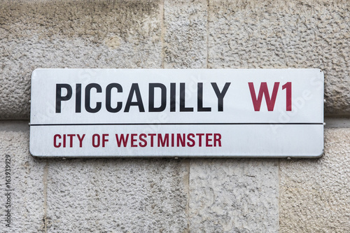 Piccadilly Street Sign in London Canvas Print