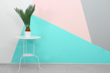 Trendy White Table And Plant N...