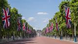 Fototapeta Londyn - The Mall and Buckingham Palace in London
