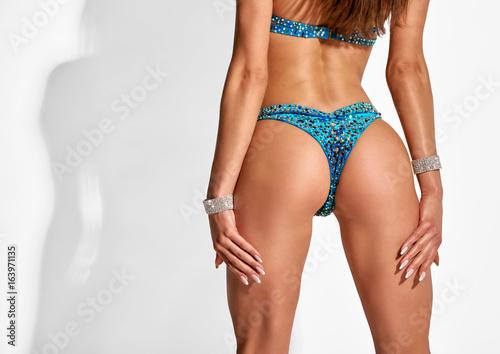 Zdjęcie XXL Kobieta tyłek w bikini